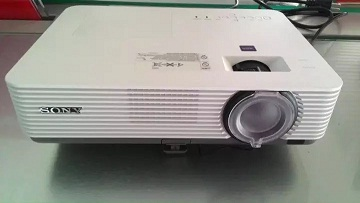 Best deal Projector Epson EB-E10 ($305)